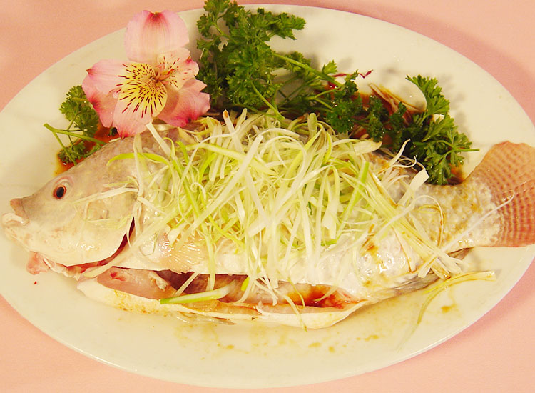清蒸吴郭魚 Steamed Tilapia