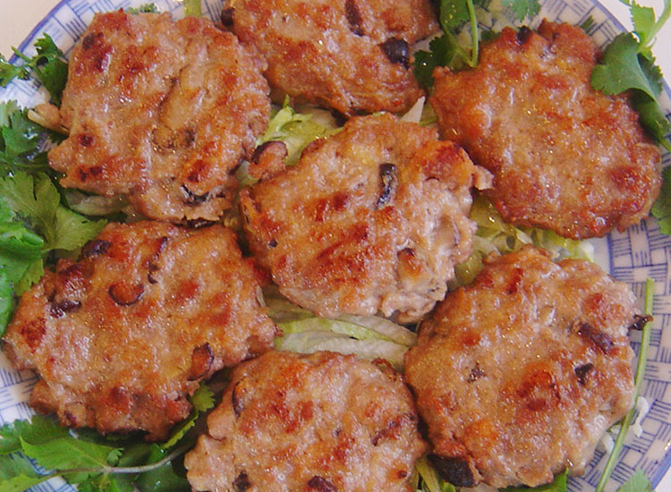 咸魚煎肉餅 Seared Salt Fish Meat Cakes