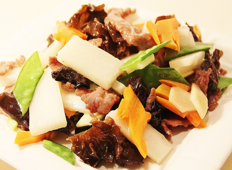 鮮淮山雲耳炒牛肉Beef with Rhizome and Wood Ear